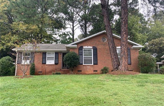 1332 Grovewood Drive - 1332 Grovewood Drive, Charlotte, NC 28208