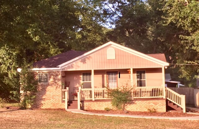 8640 Club Dr - 8640 Club Drive, Douglasville, GA 30134