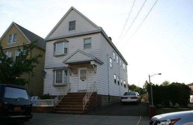32 GARRETSON AVE - 32 Garretson Avenue, Bayonne, NJ 07002
