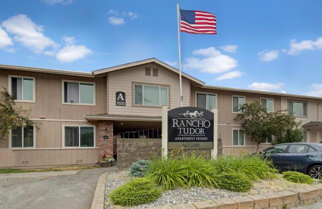 Rancho Tudor - 3531 E 42nd Ave, Anchorage, AK 99508