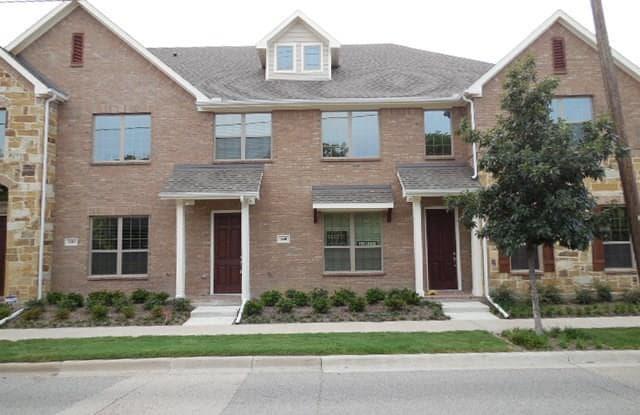 640 S Greenville Avenue S - 640 South Greenville Avenue, Richardson, TX 75081