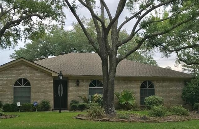 602 Crestwood Drive - 602 Crestwood Drive, Shenandoah, TX 77384