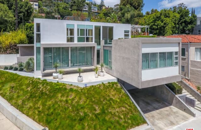 2955 SWAN Place - 2955 Swan Place, Los Angeles, CA 90026