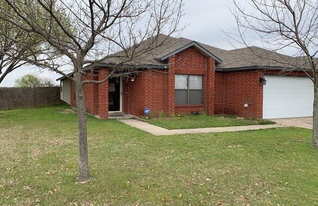 465 Capricorn Street - 465 Capricorn Drive, Cedar Hill, TX 75104