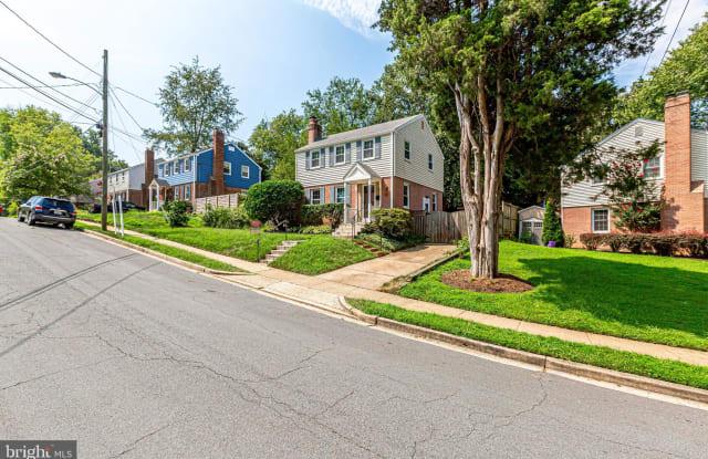 1030 N MADISON STREET - 1030 North Madison Street, Arlington, VA 22205