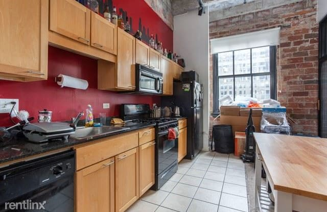 20 N State Pkwy 712 - 20 N State St, Chicago, IL 60602