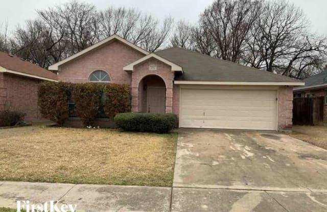 1551 Sunnymeadow Road - 1551 Sunnymeadow Rd, Lancaster, TX 75134