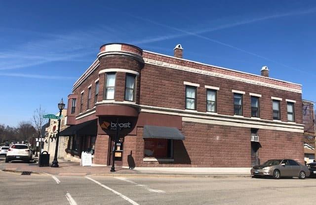 127 North Main Street - 127 N Main St, Crystal Lake, IL 60014