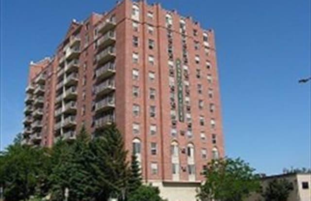 Kenwood Gables - 700 Douglas Ave, Minneapolis, MN 55403
