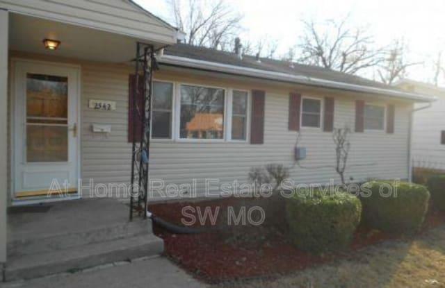 2542 E Cherry - 2542 East Cherry Street, Springfield, MO 65802