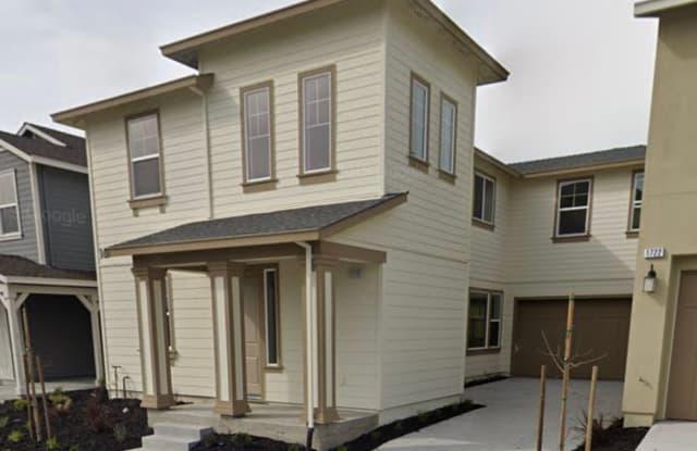 1718 WATERSIDE LANE - 1718 Waterside Lane, Sonoma County, CA 94951