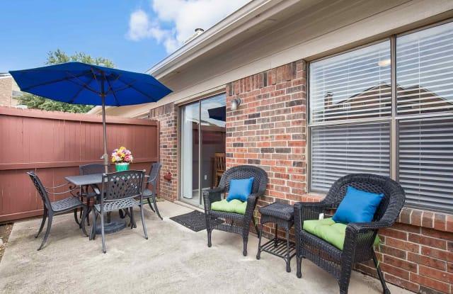 Galleria Townhomes - 1737 E Frankford Rd, Carrollton, TX 75007