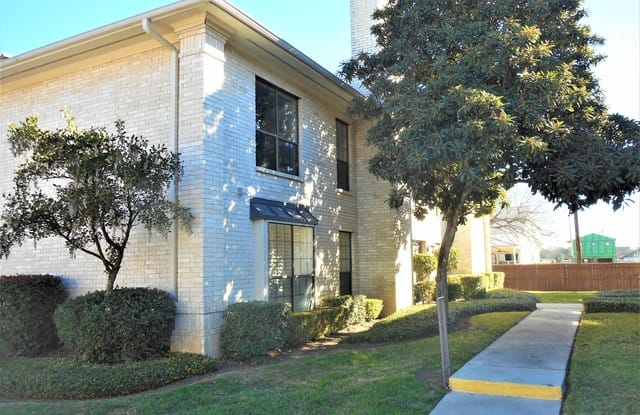 2611 Eisenhauer Rd - 2611 Eisenhauer Road, San Antonio, TX 78209