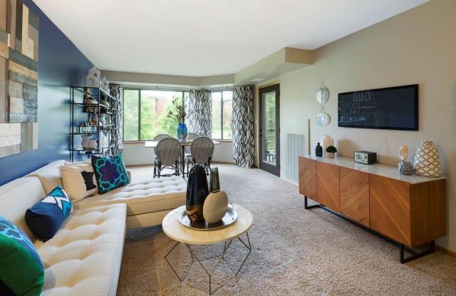 Burlington Apartments - 1180 Cushing Cir, St. Paul, MN 55108