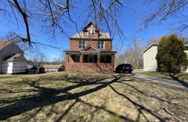 330 Coitsville Rd - 330 Coitsville Road, Campbell, OH 44405