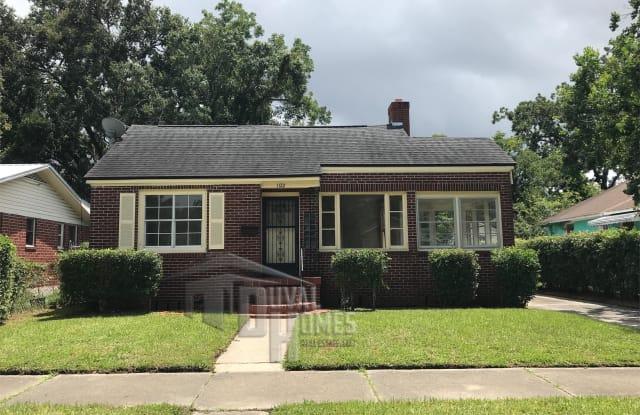 1122 W 9th St - 1122 West 9th Street, Jacksonville, FL 32209