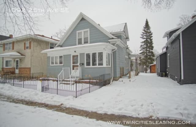 1092 25th Ave SE - 1092 Southeast 25th Avenue, Minneapolis, MN 55414
