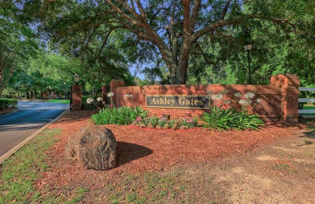 Ashley Gates - 912 Van Ave, Daphne, AL 36526