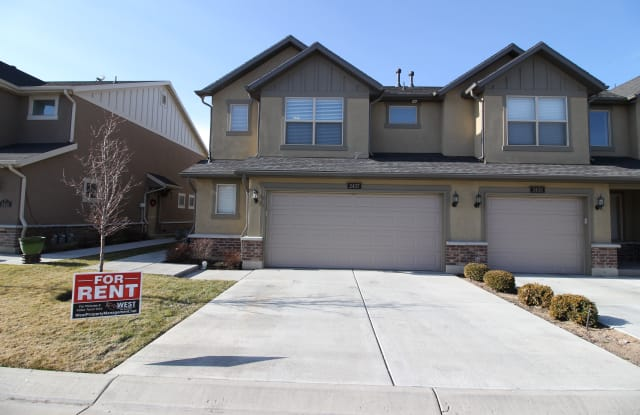 2437 S Andover St - 2437 Andover, West Haven, UT 84401
