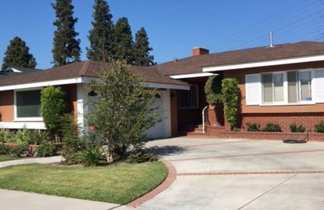 872 N KAREN WAY - 872 Karen Way, Long Beach, CA 90815