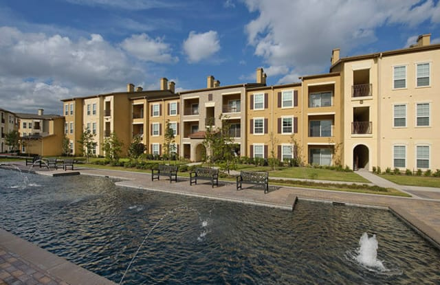 Amalfi at Tuscan Lakes - 1450 E League City Pkwy, League City, TX 77573