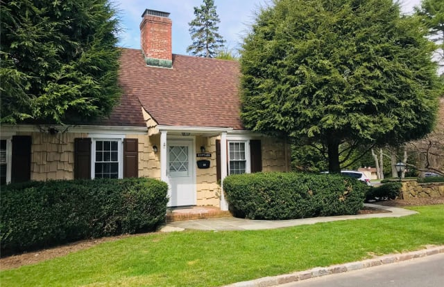 1 Dogwood Hill - 1 Dogwood Hill, Brookville, NY 11545