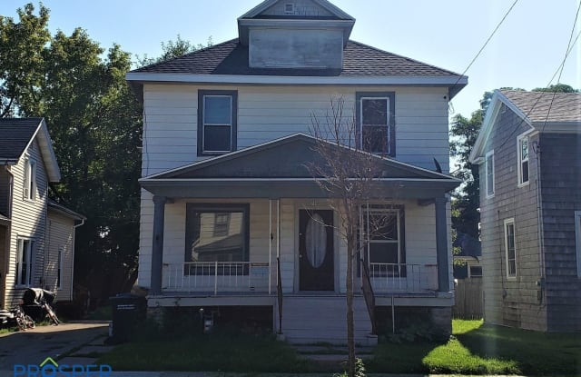 714 Central Street - 714 Central Street, Oshkosh, WI 54901