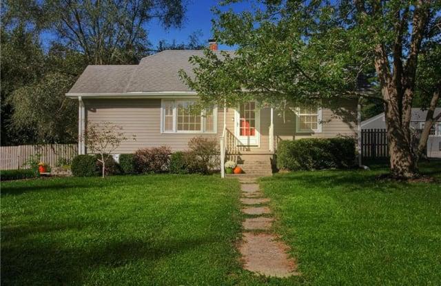 8608 N Highland Ave - 8608 North Highland Avenue, Kansas City, MO 64155
