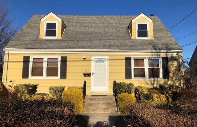 248 Frank Avenue - 248 Frank Avenue, Mineola, NY 11501