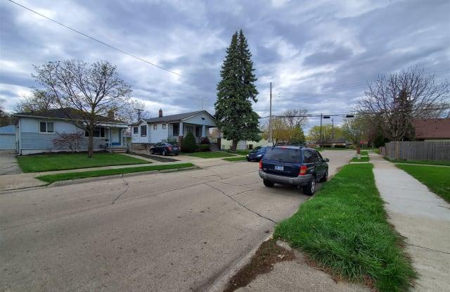 25884 Leach St - 25884 Leach Street, Roseville, MI 48066