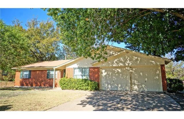 313 Craig Street - 313 NE Craig, Burleson, TX 76028