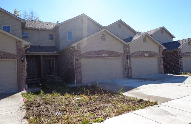 29134 Timber Woods Dr - 29134 Timber Woods Drive, Macomb County, MI 48047