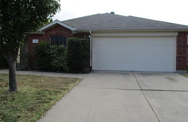11916 Hickory Circle - 11916 Hickory Circle, Fort Worth, TX 76244