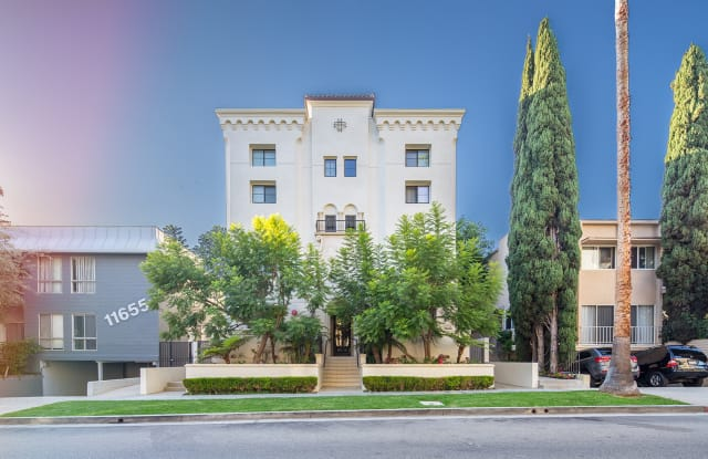 NMS 11649 - 11649 W Mayfield Ave, Los Angeles, CA 90049