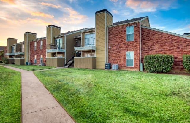 Huntington Circle Apartments - 409 W Round Grove Rd, Lewisville, TX 75067
