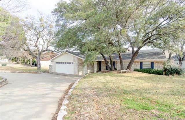 3911 Crescent Drive - 3911 Crescent Drive, DeCordova, TX 76049