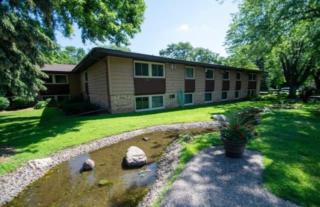 Woodlake Park - 6304 Dupont Ave S, Richfield, MN 55423