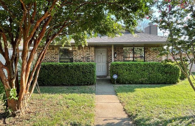 107 Lawndale Drive - 107 Lawndale Drive, Waxahachie, TX 75165
