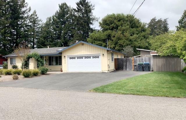7828 Apple Blossom - 7828 Apple Blossom Lane, Sonoma County, CA 95472