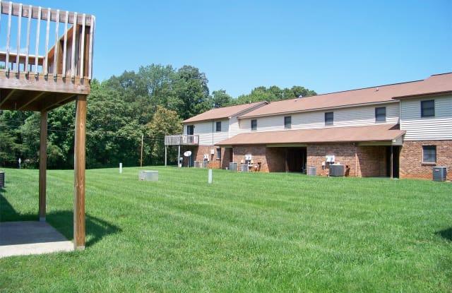 1511 Forest Knolls Circle - 1511 Forest Knolls Circle Southeast, Winston-Salem, NC 27101