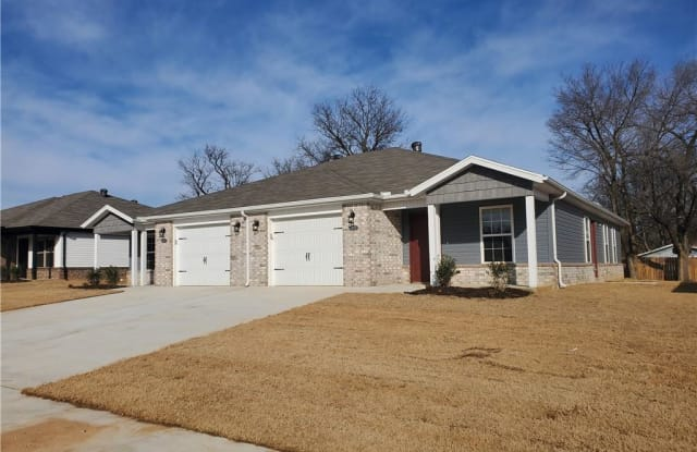 1505 Montclair - 1505 Montclair Ave, Benton County, AR 72761
