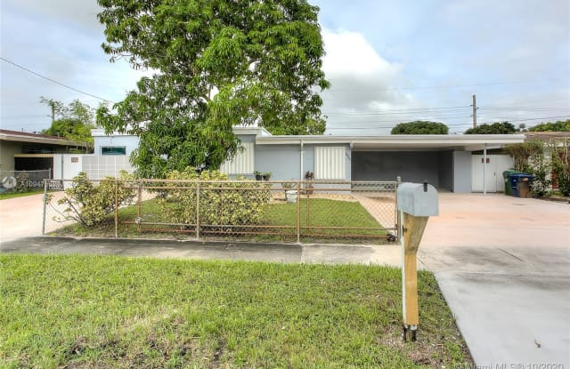 18800 NW 41st Ave - 18800 Northwest 41st Avenue, Miami Gardens, FL 33055