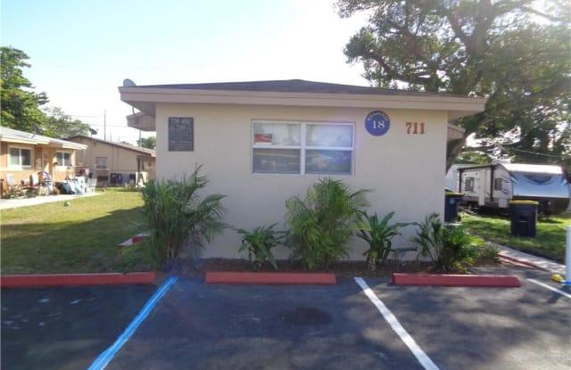 711 SW 9th St - 711 Southwest 9th Street, Dania Beach, FL 33004