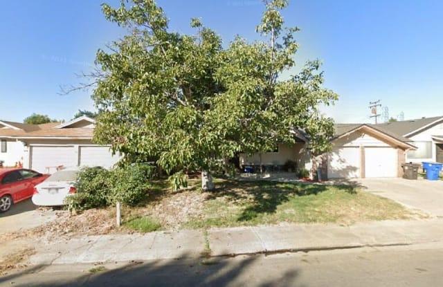 345 Harding Ave - 345 Harding Avenue, Manteca, CA 95336