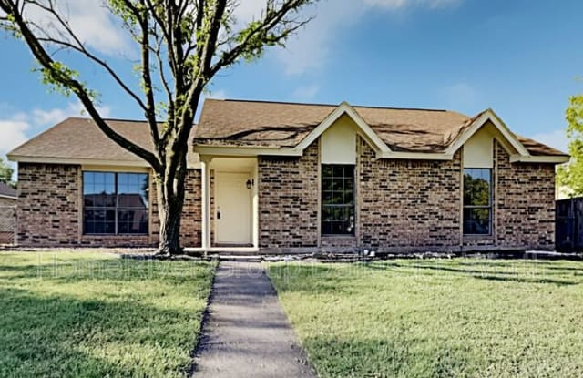 425 Rainier St - 425 Rainier Street, Cedar Hill, TX 75104