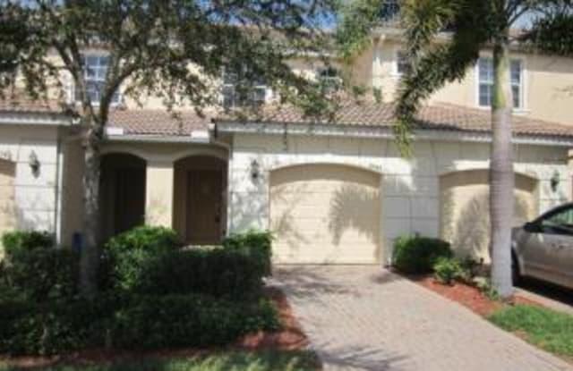 8544 Athena CT - 8544 Athena Court, Fort Myers, FL 33971