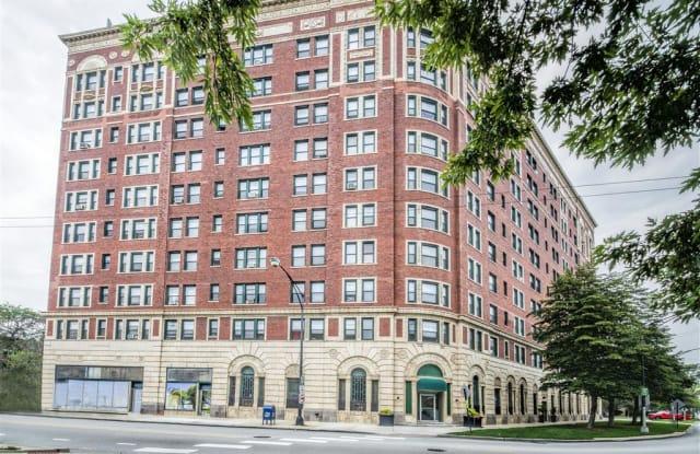 7100 South Shore Apartment Homes - 7100 S South Shore Dr, Chicago, IL 60649