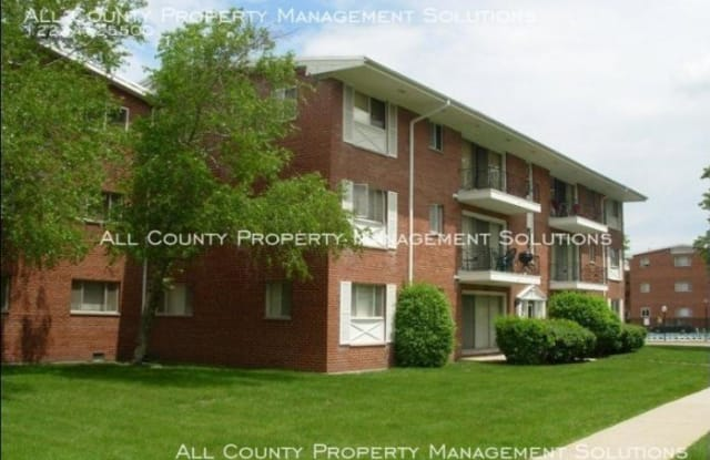 10115 Old Orchard Court - 10115 Old Orchard Court, Skokie, IL 60076
