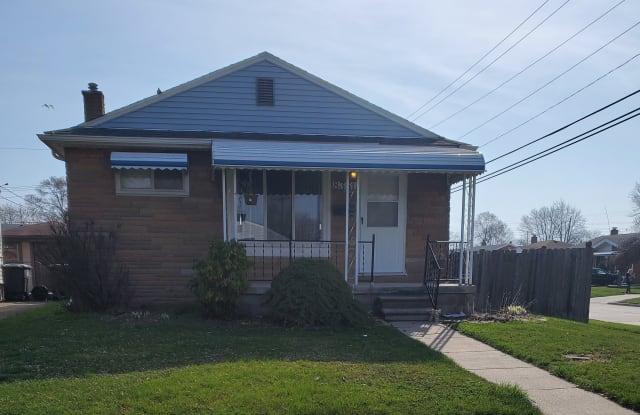 8351 Oak St - 8351 Oak Street, Taylor, MI 48180