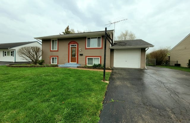 647 Newport Street South - 647 Newport South, Roselle, IL 60172